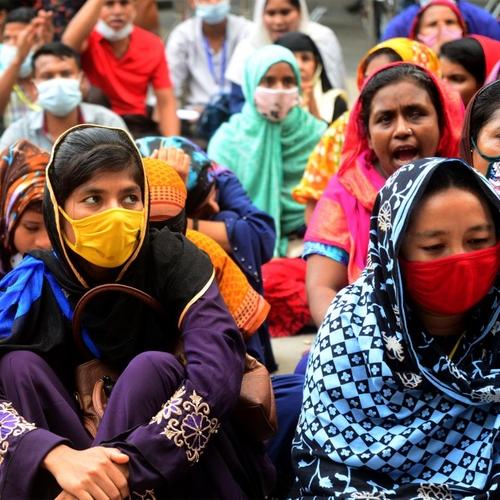 Garment workers demonstrating in Dhaka, Bangladesh, on September 20, 2020. Photo: Mamunur Rashid/NurPhoto via Getty Images.