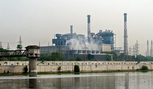 n electric power plant in Gujarat, India. (© Dreamstime)